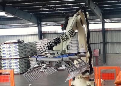 在工业生产中全自动袋料亚博体育苹果手机下载机器人的三大优势