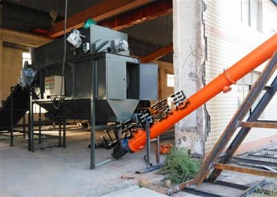 石灰粉自动破袋机 自动拆包机操作现场