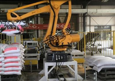 豆粕亚博体育苹果手机下载搬运机器人 全自动亚博体育苹果手机下载设备