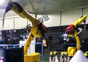 全自动焊接机器人