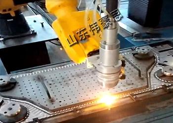 激光焊接全自动机器人